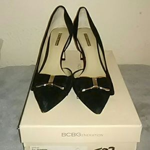 Bcbg black suede bow pumps